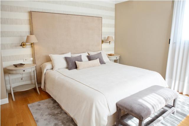 Papeles pintados tapidecorblog - Dormitorios pintados a rayas ...