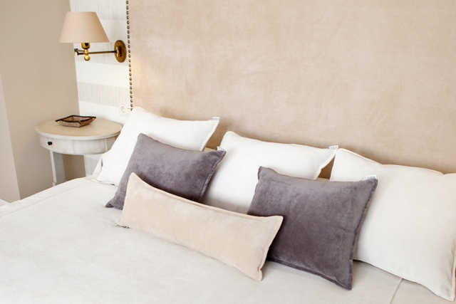 Alfombra tapidecorblog - Decorar cama con cojines ...
