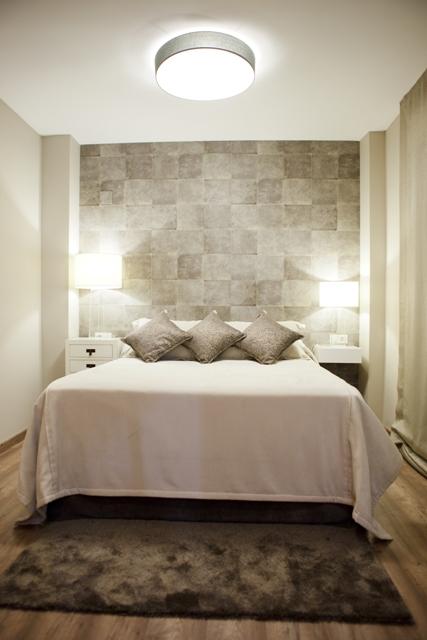 Sof mobiliario tapizado tapidecorblog for Plafones pared dormitorio
