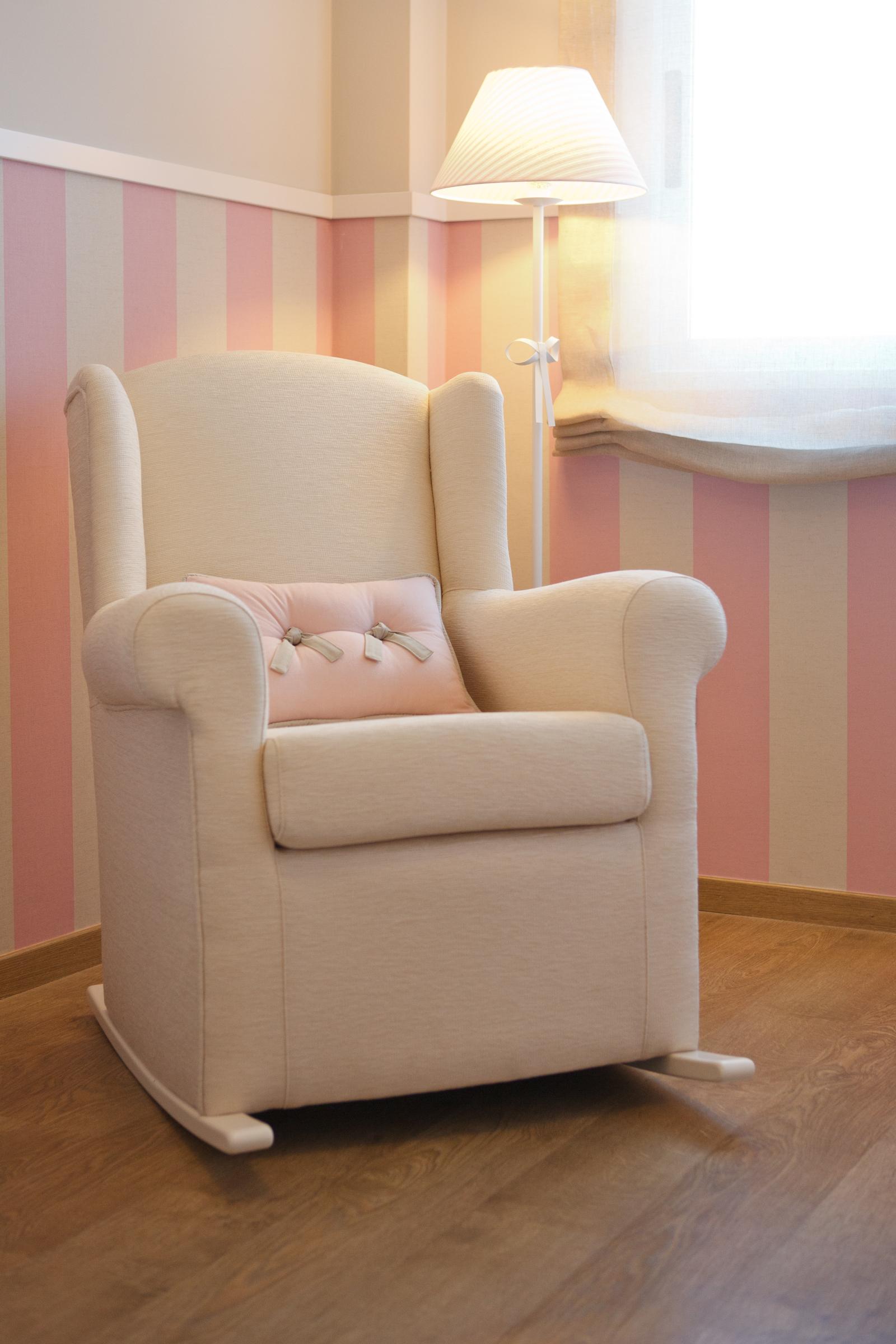 Habitaci n infantil arena rosa tapidecorblog - Sillones habitacion bebe ...